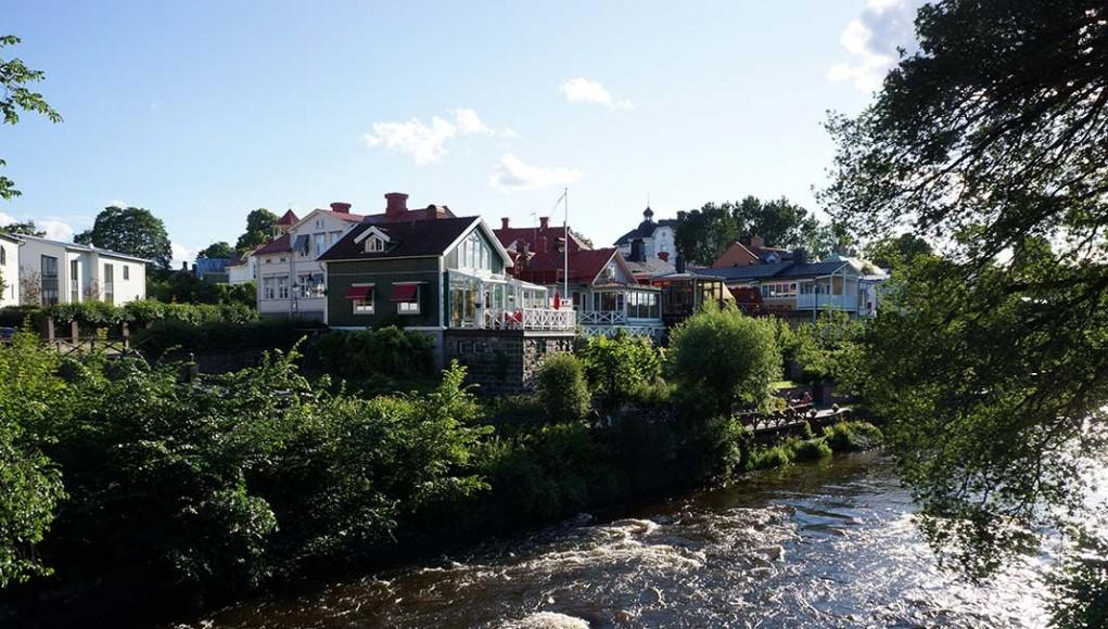 Gavleån i Gävle - vid Heliga Trefaldighets kyrka